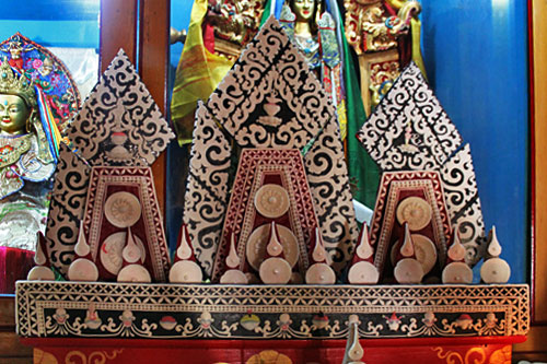 Yak butter sculptures take months to carve