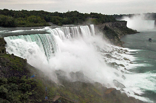 American Falls, viewed from the Canadian side of the Niagara River